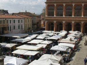 Il mercato del centro di Rimini-2